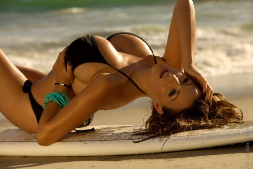 hot-bikini-Jordan-Carver-Surf-table-sands-beach-lying