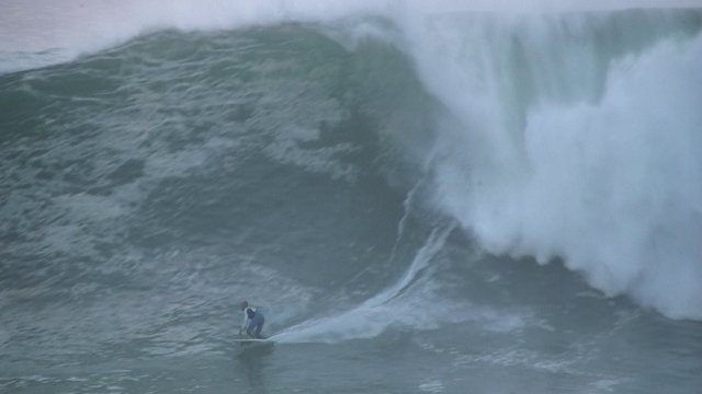 Kelly Slater Catches The Big Swell Of Portugal @ Nazare