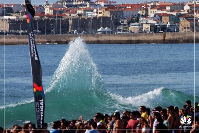 Unbelievable Wave Of Supertubos